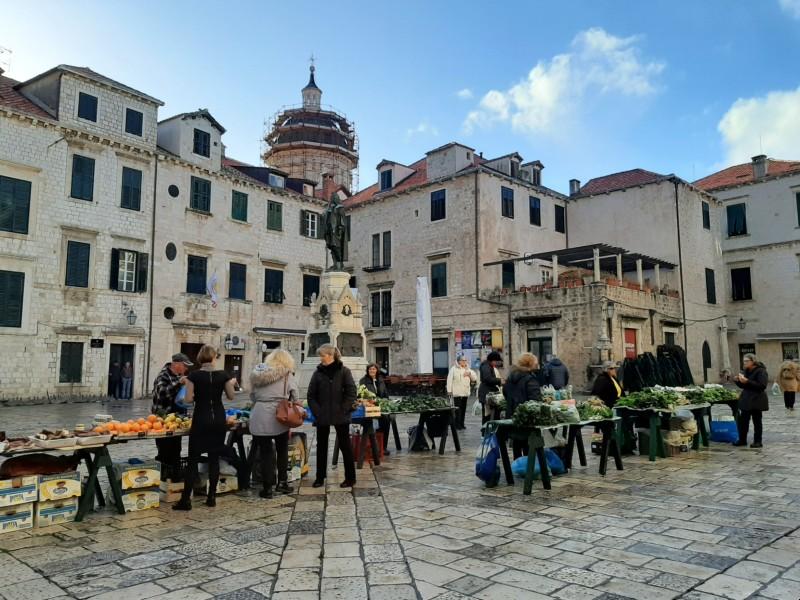 dubrovnik fruit vegetable market