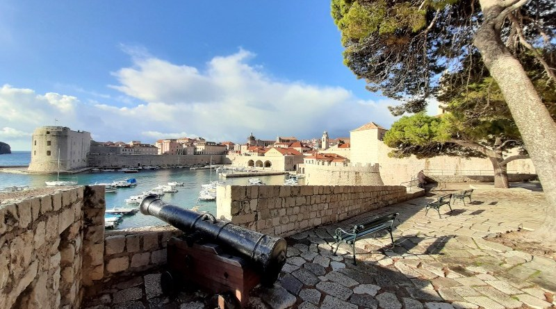 ploce gate old town dubrovnik