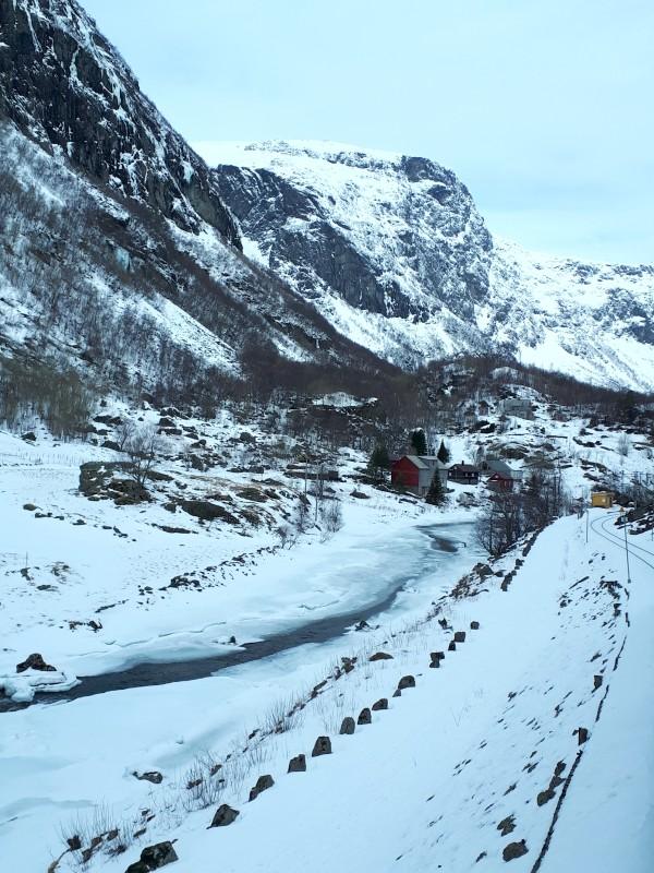 river valley snow flamsbana
