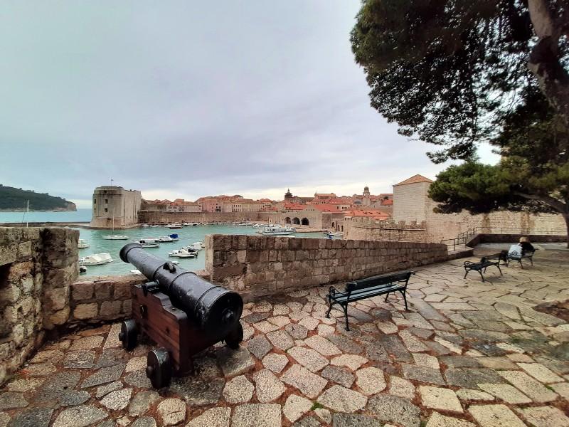 ramparts dubrovnik ploce gate views