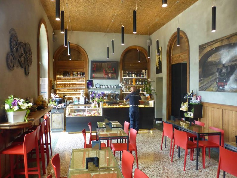 varenna station cafe