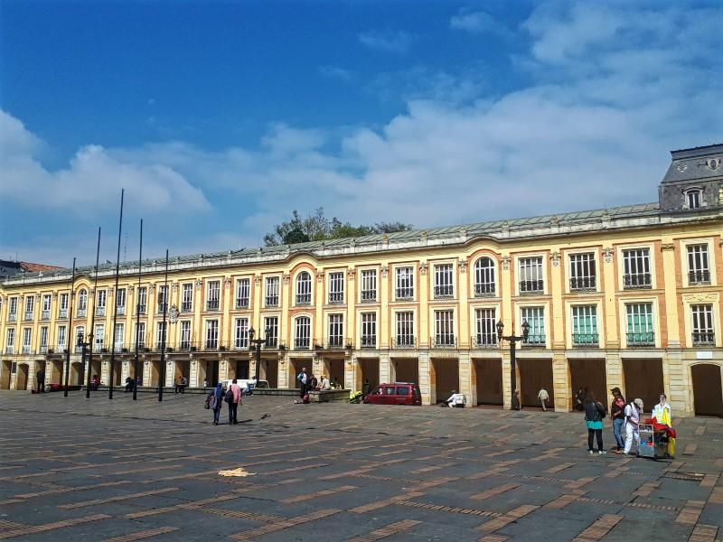 plaza bolivar bogota stopover