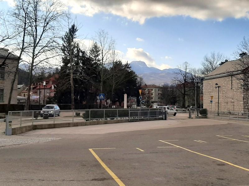 bus station cetinje