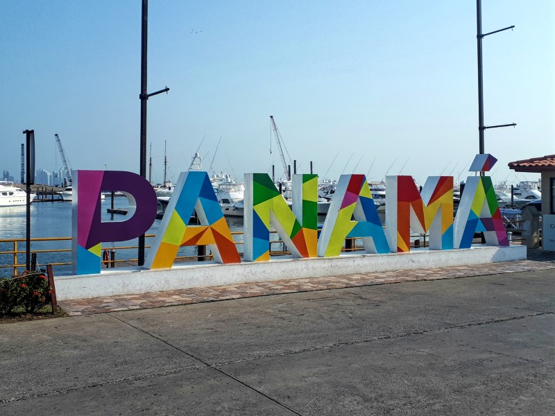 panama sign flamenco marina