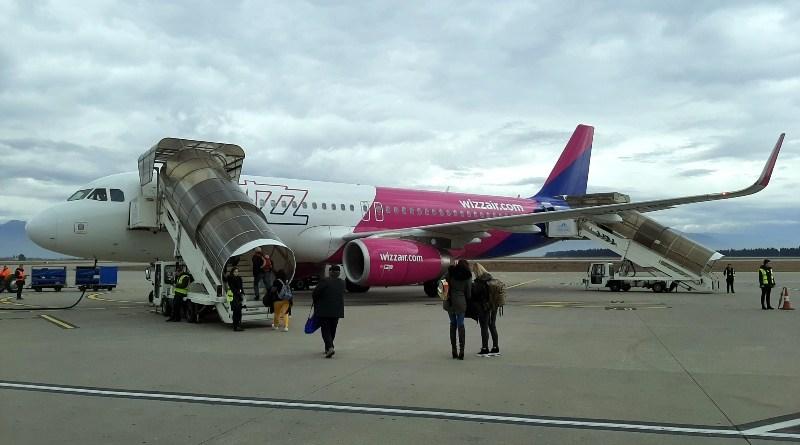 wizz air airbus a320 podgorica