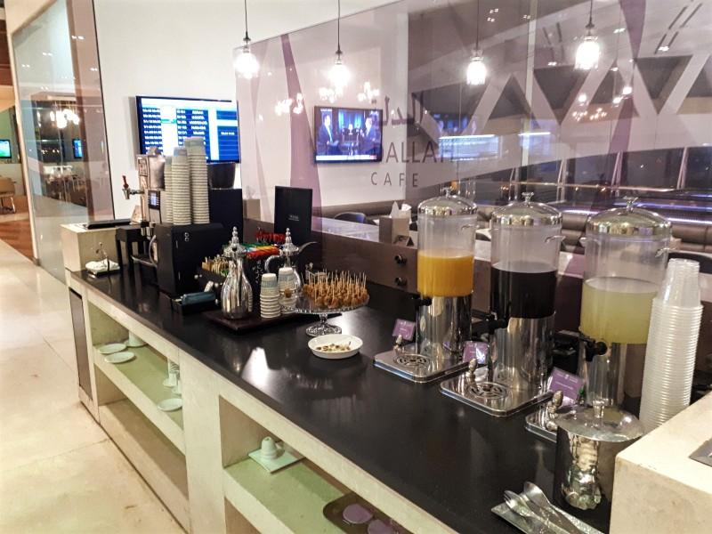 drinks station saudia alfursan lounge