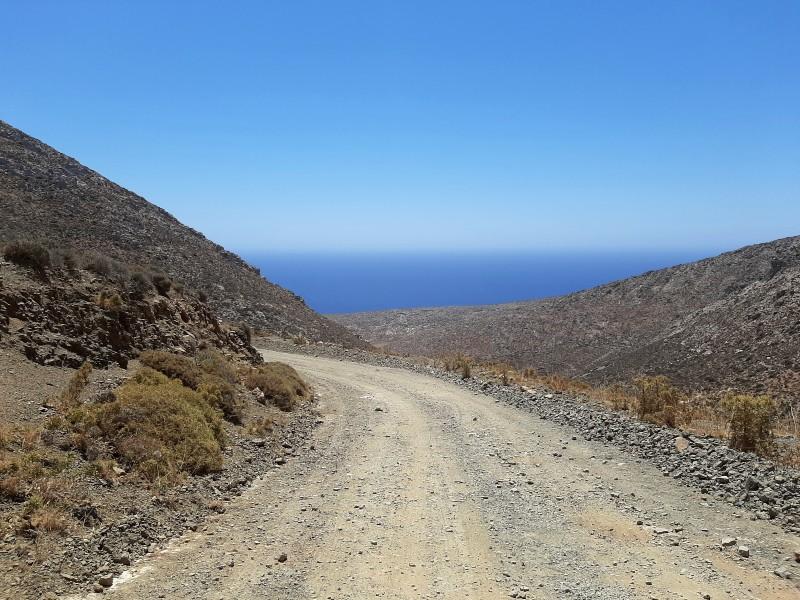kaminakia beach road