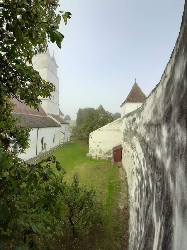 honigberg church wall