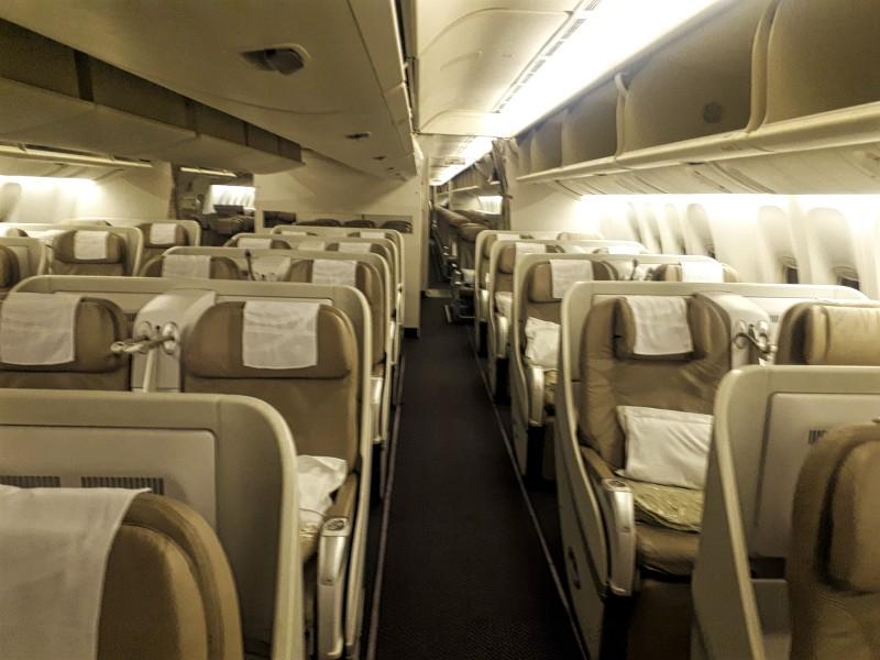 saudia business class seat old 777