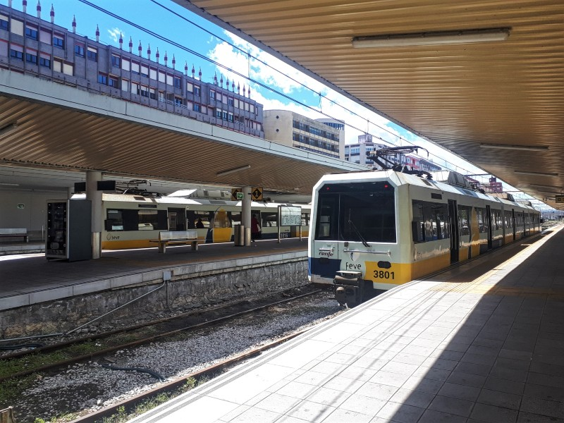 feve trains santander railway station