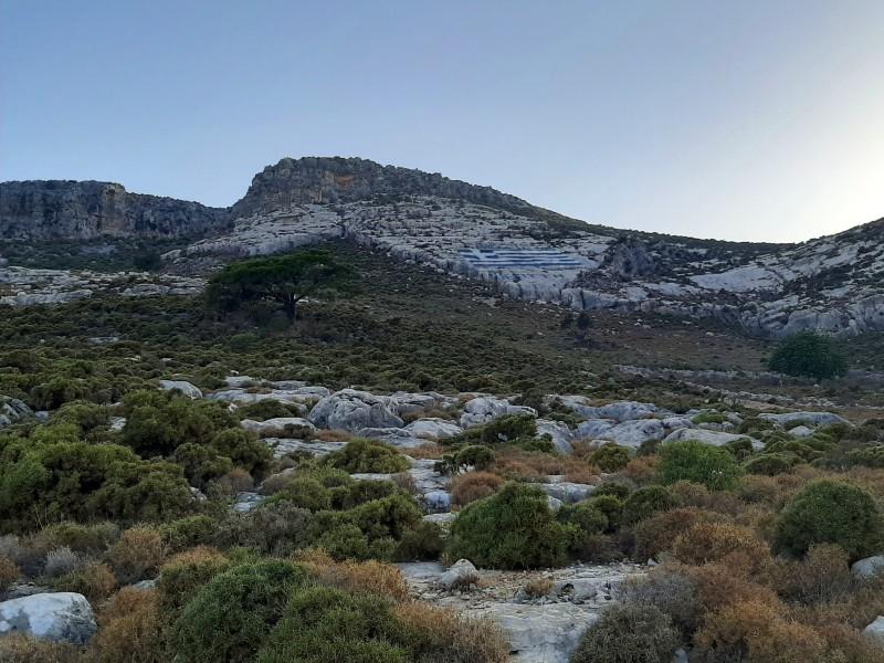 greek flag mountain