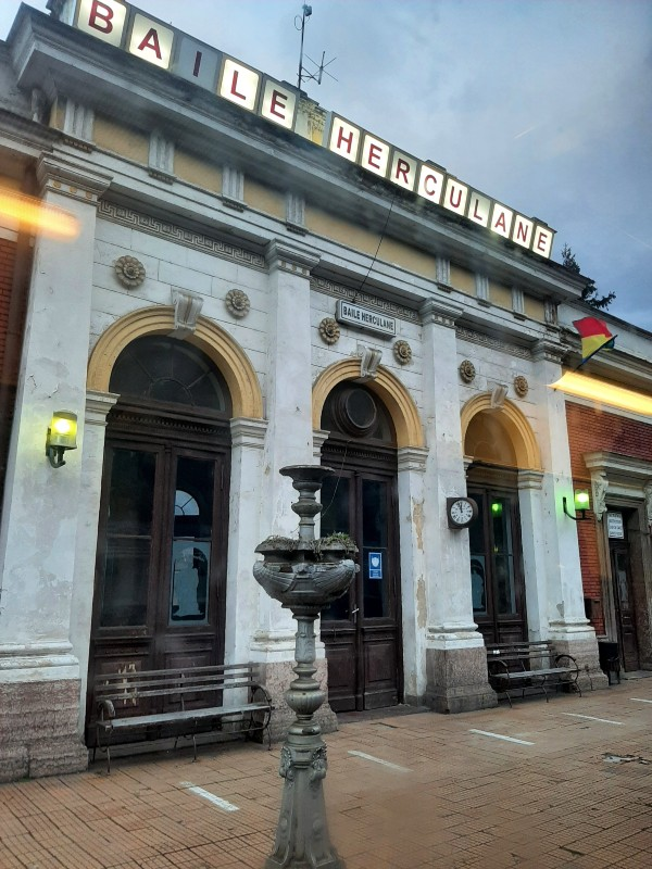 baile herculane train station