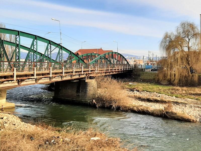 river sebes bridge romania corona vaccine