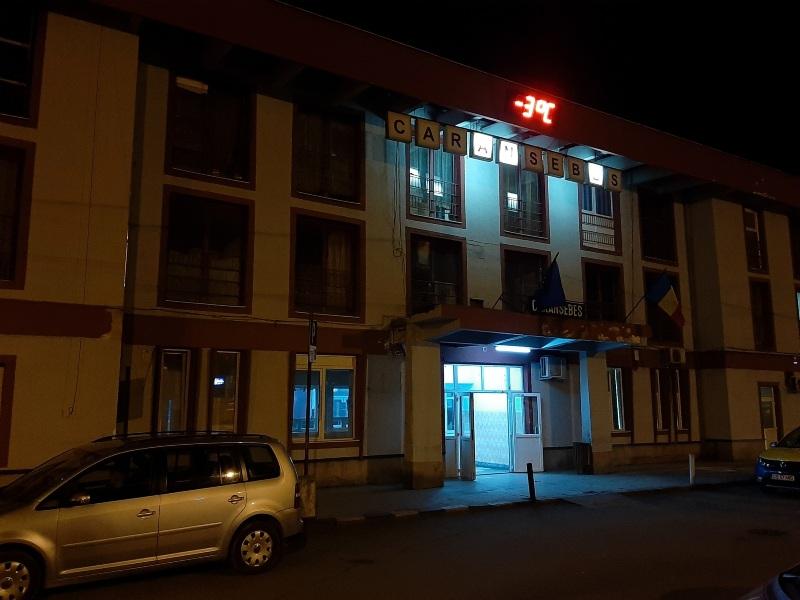 caransebes station night