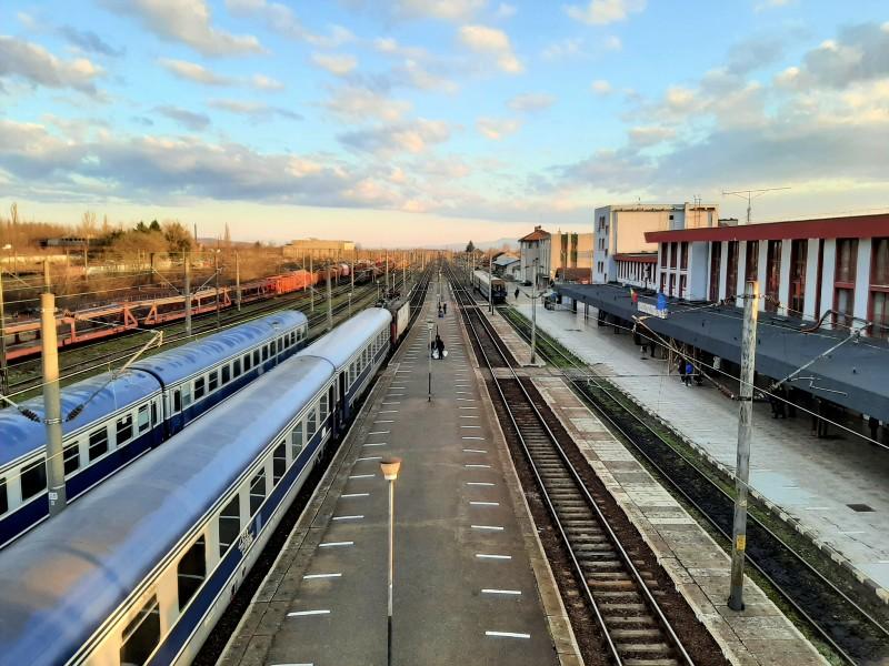 caransebes station romania train