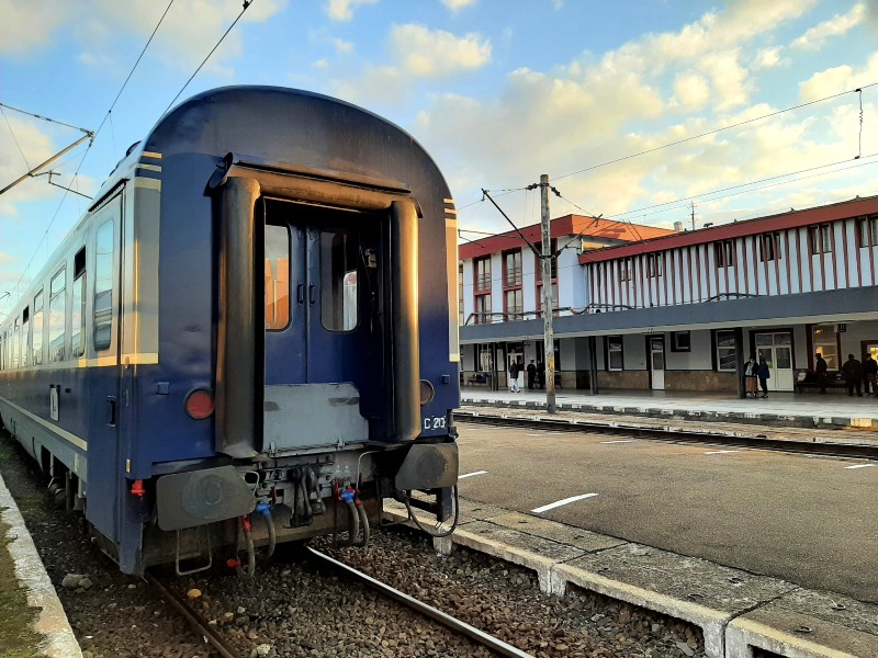 caransebes station train