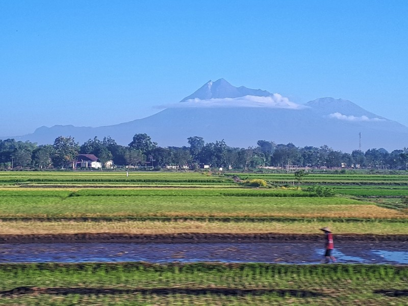 merapi volcano sencaka train indonesia railways