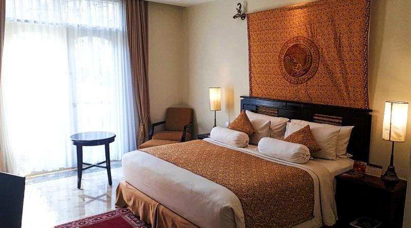 phoenix hotel yogyakarta review