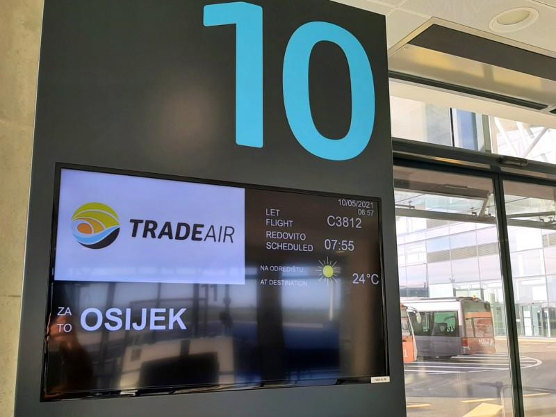 trade air flight zagreb osijek let l-410 turbolet