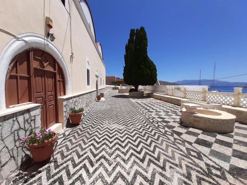 courtyard church chalki