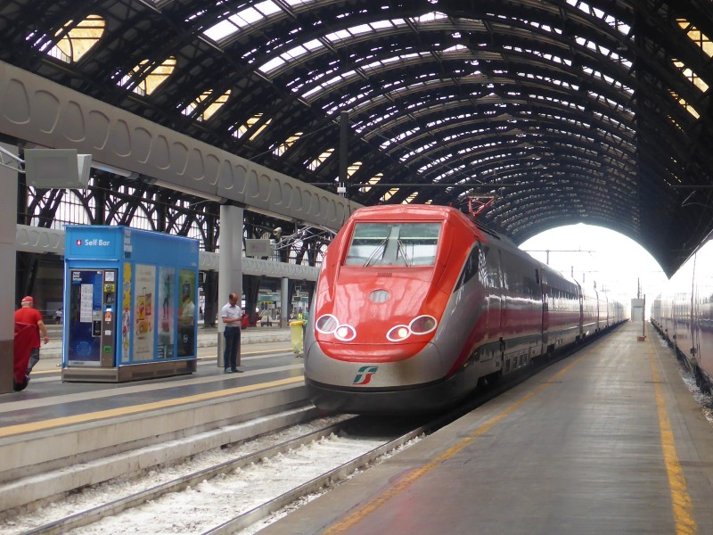 milano centrale trenitalia train italy railway discount