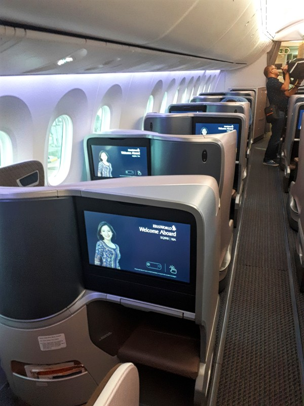 singapore airlines business class boeing 787-10