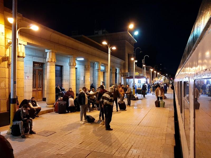 giza station cairo egypt aswan train