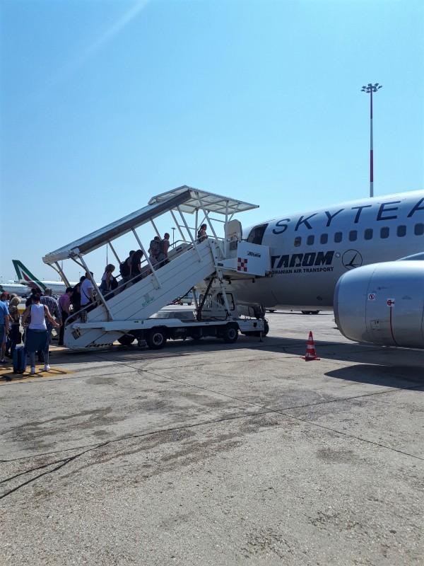boarding tarom rome