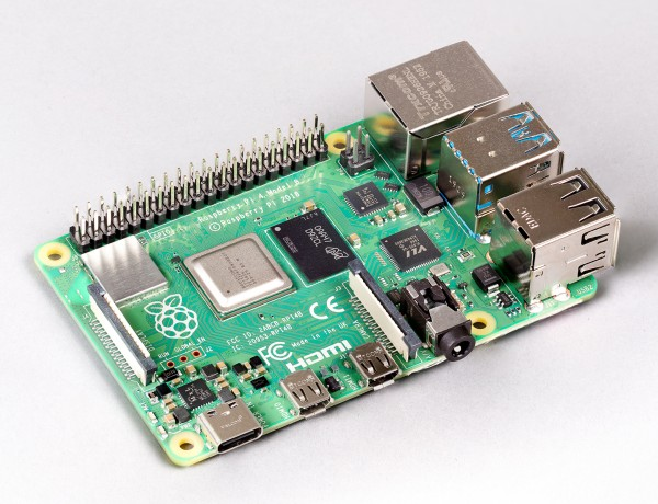 Raspberry Pi 4 with 8GB RAM and Raspberry Pi OS 1