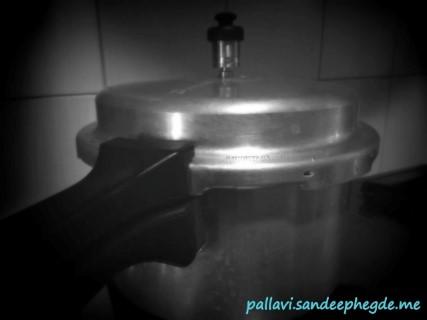 Basale Koddel : pressure cook the dal and basale leaves