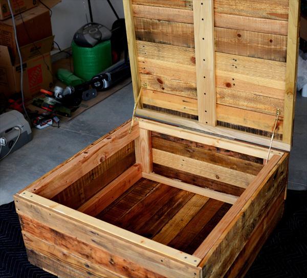 diy vintage pallet coffee table with secret stash | pallet furniture