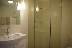 Palm Cove Tropic Deluxe Bathroom