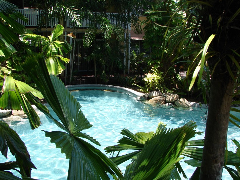 Pool Palm Cove Tropic Apartments