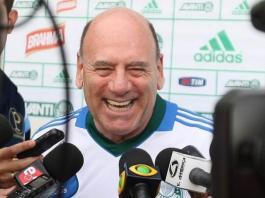 Brunoro dá entrevista na Academia de Futebol.