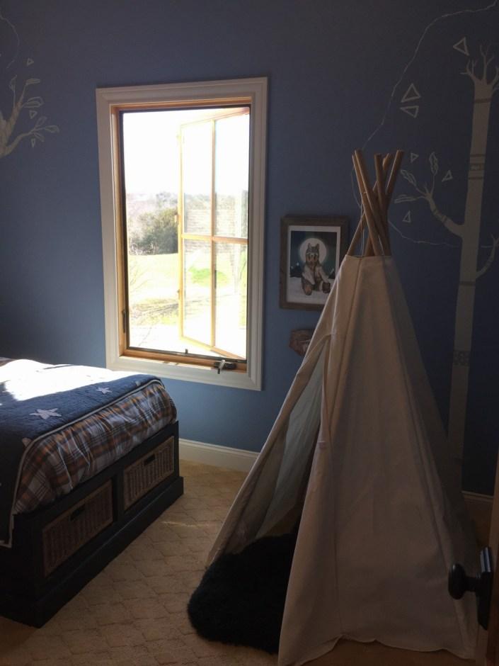 Child's bedroom teepee