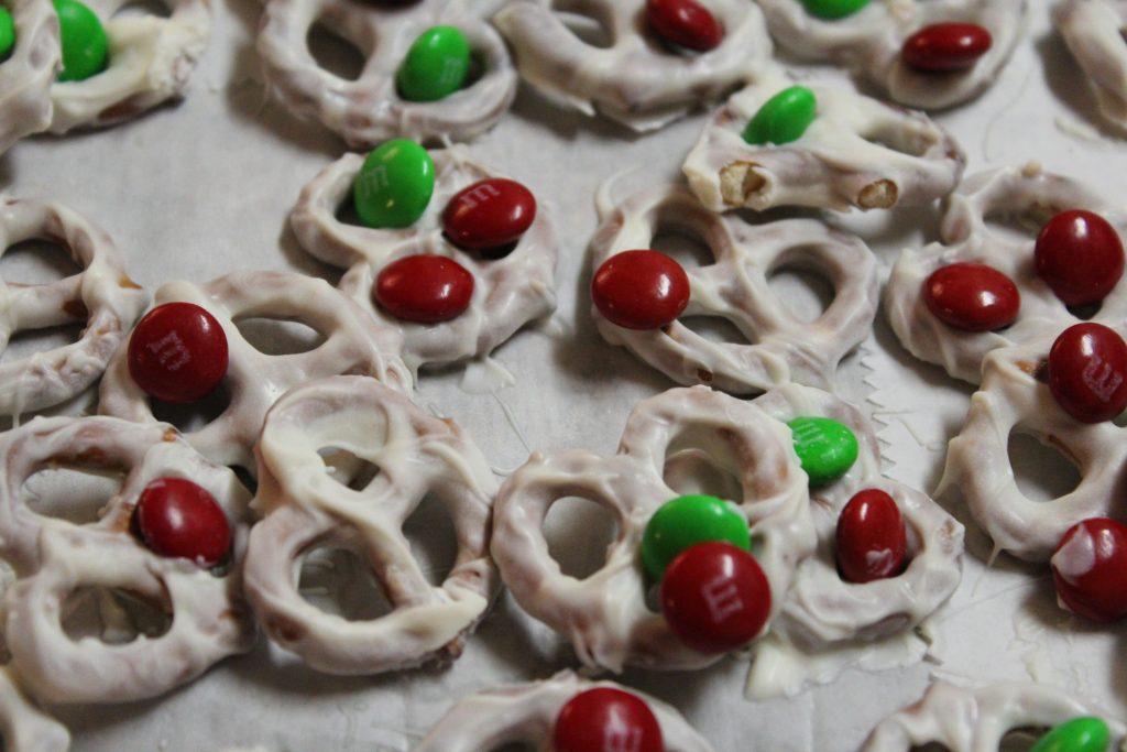 Candy-Coated Pretzels Recipe