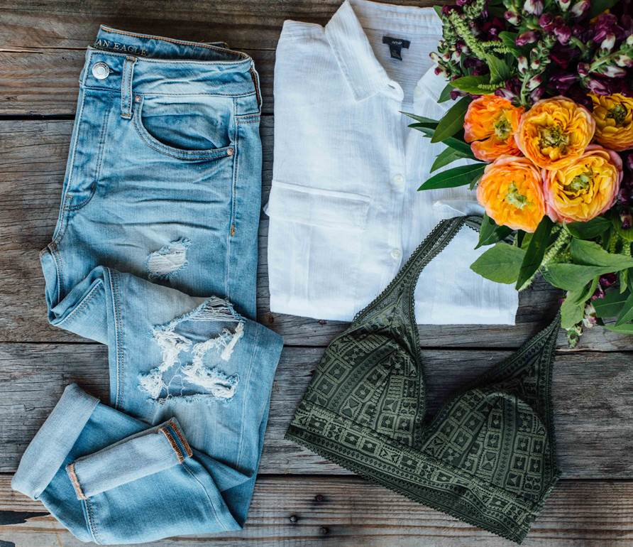 American Eagle | Palms to Pines