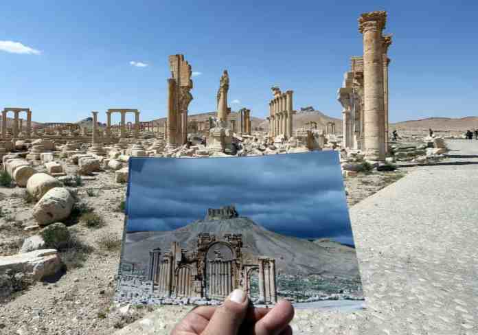 A view of the Arch of Triumph in Palmyra, Syria