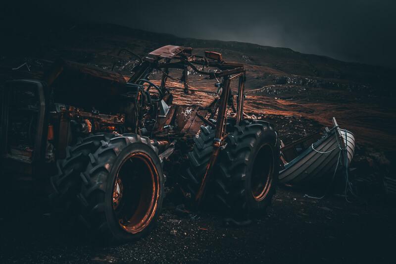paltenghi_claudio_faroeisland_traktor Bildbearbeitungs Service