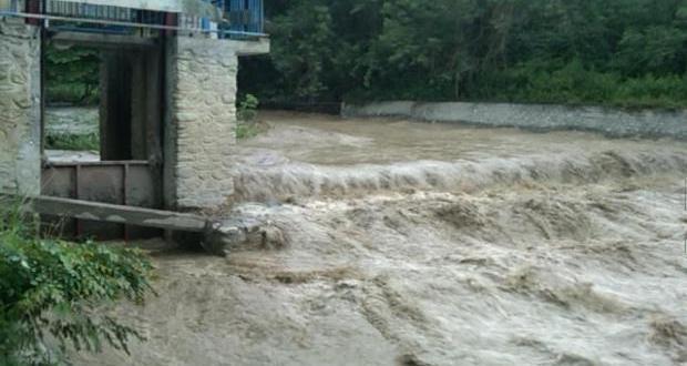 Pintu Irigasi Desa Oloboju Tersumbat Akibat Banjir