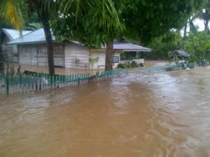 pasca-banjir-jalan-di-bahodopi-bahayakan-pengendara