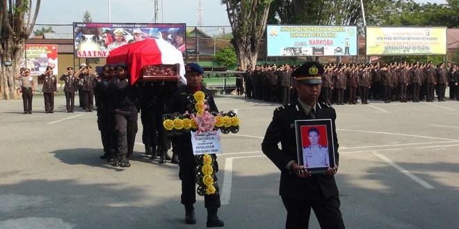 Jenazah Perwira Brimob yang Tewas di Poso Diterbangkan Ke Manado