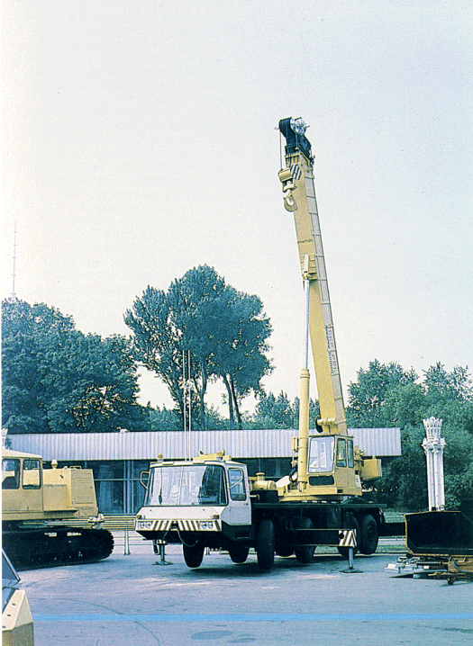 40-ton truck crane, another versatile tool.