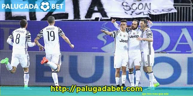 2 Gol Higuain Membuat Juventus di Puncak Klasemen