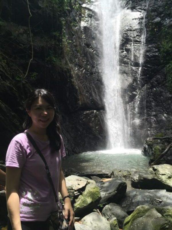 艾瑪與大津瀑布