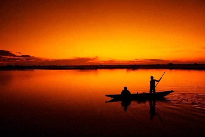 boat-fishermen-fishing-67872