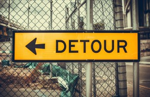 arrow-detour-security-1717728