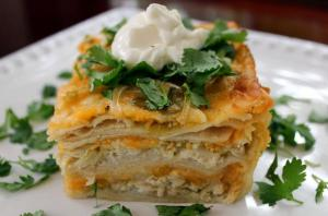 Image courtesy http://www.foodista.com/blog/2014/06/24/easy-dinner-recipe-cheesy-3-layer-chicken-and-green-chile-enchilada-casserole