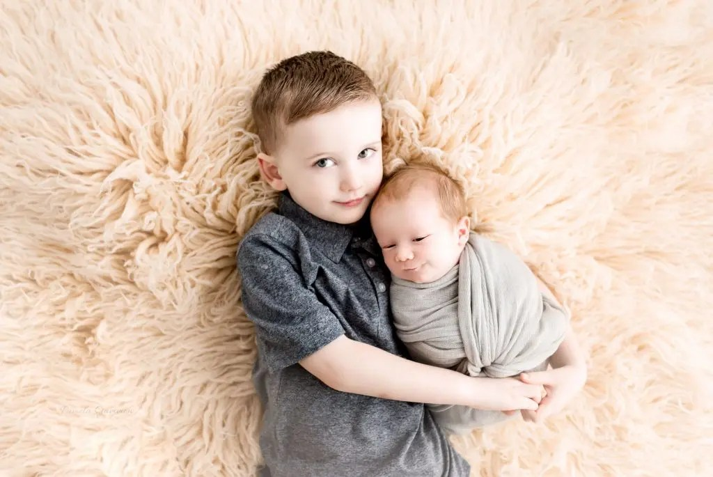 Newborn Sibling Photography Ohio