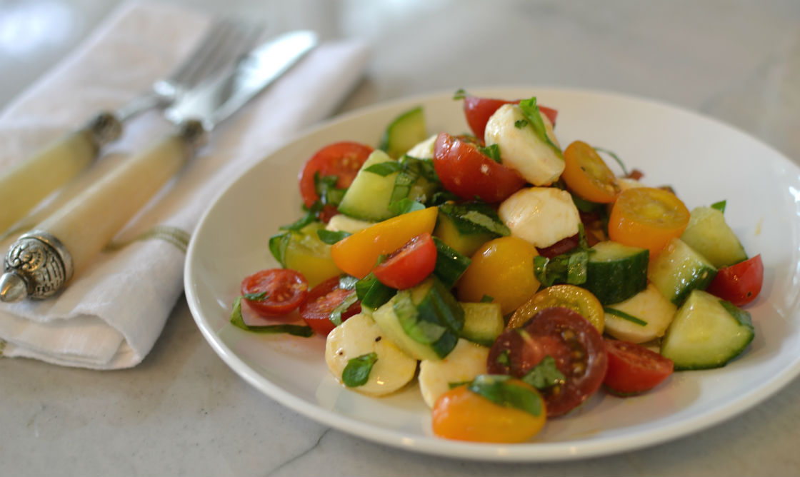 Bite Size Tomato Mozzarella Salad